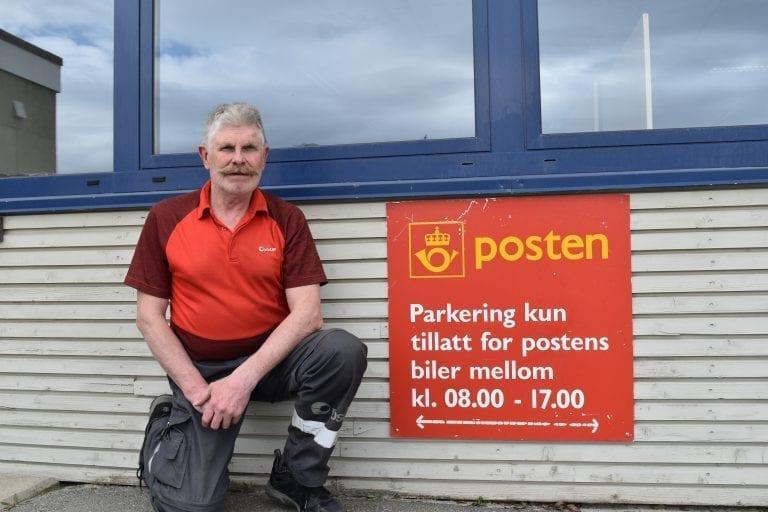 Fra 7.juli må de fem postansatte som i dag har oppmøtested i Selbu kjøre til Stjørdal for å komme på jobb. For Tydals eneste postansatte betyr det 18 mil daglig. -Jeg vet at jeg får en veldig grei sjef og har også fått ei enkel og landlig rute. Vi som jobber i Posten er vel vant til endringer, og jeg ser ikke mørkt på det, sier Arne Lien.