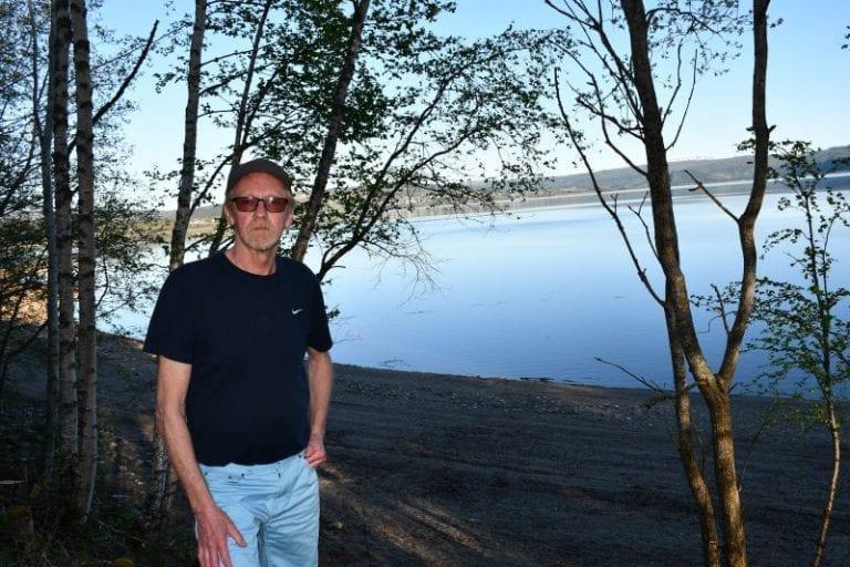 -Jeg kan ikke tenke meg noe Selbu uten Selbusjøen, sier Gunnar Olav Balstad, AP-politikeren som på oppdrag fra Selbu kommune har gjort forarbeidet til og ført høringsuttalelsen til ny tiltaksplan for Selbusjøen i pennen.