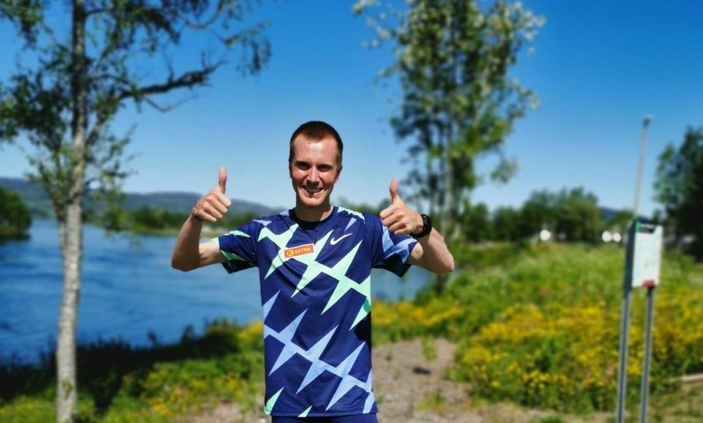 Sondre Nordstad Moen hadde første stopp i Selbu etter å ha tatt ny verdensrekord på 25 000 meter. Test av Selbustien sto først på agendaen!