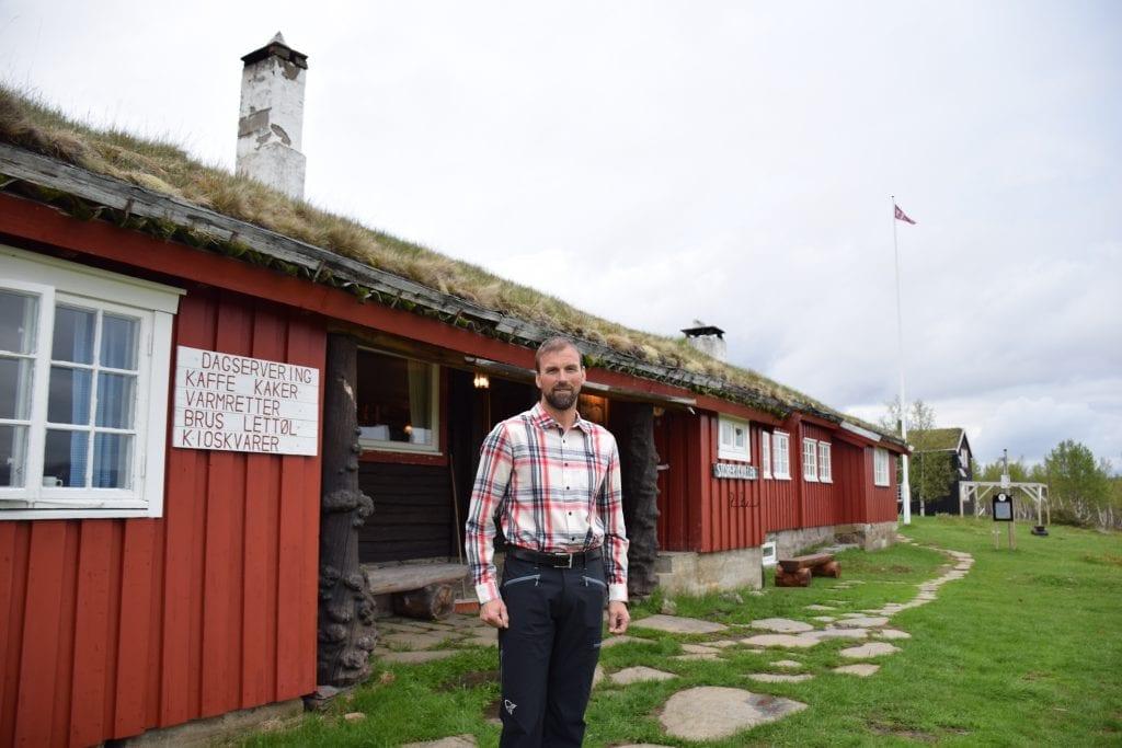 Daglig leder i Trondhjems Turistforening, Frode Støre Berggrem, synes det er stor stas at tre av foreningens hytter er nominert til finalen blant Norges fineste betjente turisthytter, deriblant Storerikvollen i Tydal og Sylan.