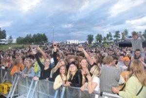 Publikum under en konsert på Tydalsfestivalen.