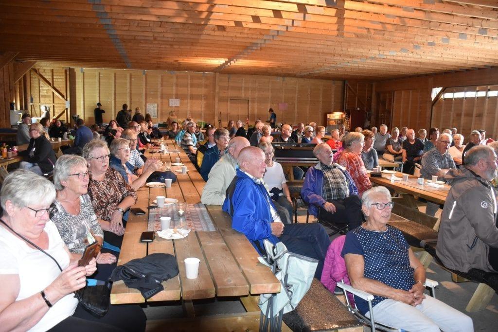 Det har vært mye folk og stor sangglede alle allsangstundene på Årsøya. Nå gjenstår bare ei slik stund i 2020, pluss en dag i Kimen.