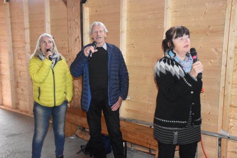 Jorunn Haugan, Jan Peder Bollingmo og Solveig Stene gjorde en flott innsats som forsangere på allsangkvelden.