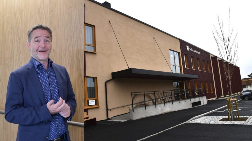 Ordfører Ole Morten Balstad er fornøyd med både sykehjem og uteområdene. - En stor dag for Selbu, sier han på den offisielle åpningen.