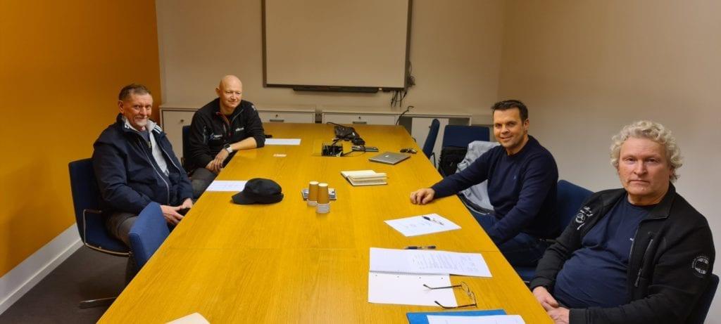 K. Eidem Elektro AS får base i Meråker. Avtalen om oppkjøp av Kopperå Elektro ble signert på fredag. Fra venstre med klokka: Ulf Gøte Ånnegård, Alf Morten Buland, Knut Eidem og Hans Olaf Reitås. Foto: privat.