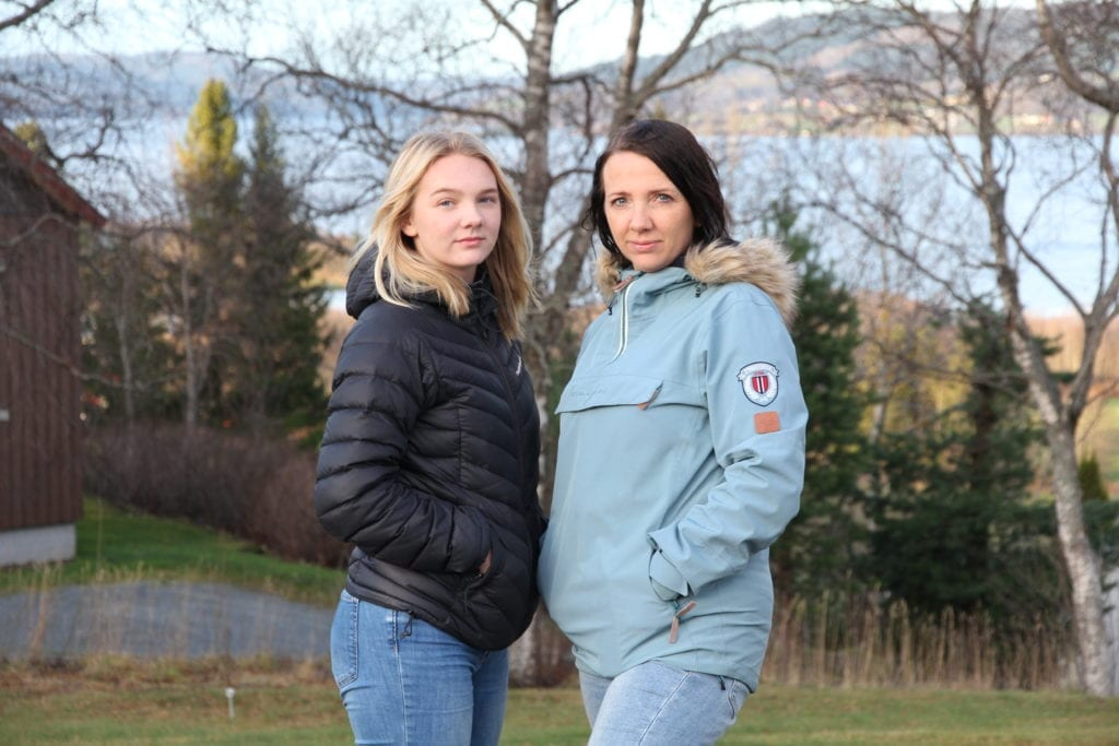 Åtte måneder har gått siden Hanna, Torunn og resten av familien Dahlø Weiseth ble friskmeldt fra korona. Fortsatt merker de at sykdommen har satt sine spor, og det har gått verst utover 16-åringen Hanna.