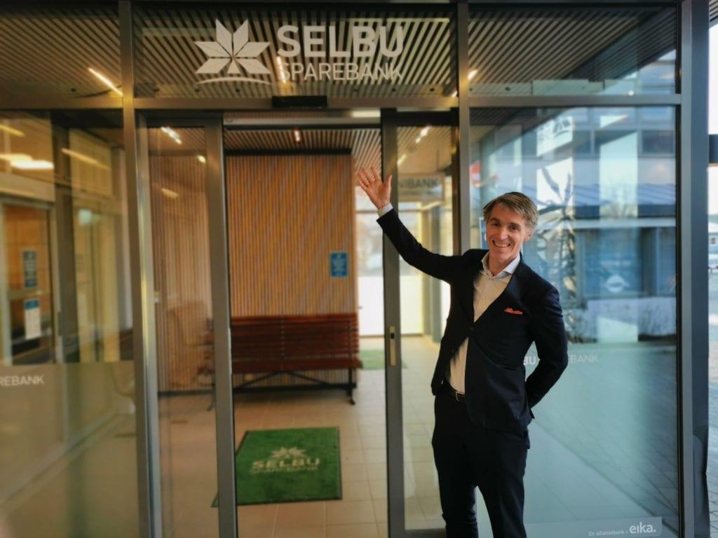 Espen Eriksen startet mandag 4. januar jobben som ny banksjef i Selbu Sparebank. Nå skal han jobbe for at banken skal markere seg enda mer som lokalbank.