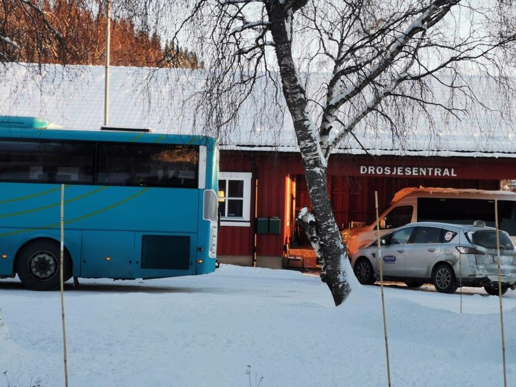 John Frode Stokke, daglig leder på Selbu drosjesentral, er veldig positiv til at drosje blir en del av bussrutetilbudet i Neadalen.