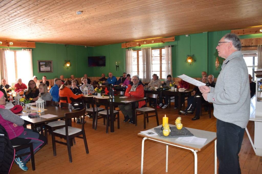 Det aller meste av aktivitet i kirkene i påska blir avlyst. Det blir også de tradisjonelle sportsandaktene, som her i Hersjøhytta der Dagfinn Slungård holdt andakt i 2018.