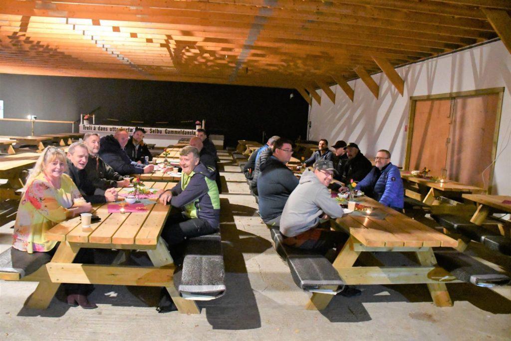 Onsdag kveld ble dugnadsfolket på Årsøya samlet og de nye anleggene ble offisielt åpnet.